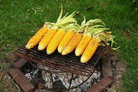 suikermaïs eerst koken, daarna in de oven/op BBQ/op de vuurput by Mme Zsazsa