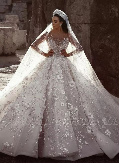 Luxus Brautkleider Mit Ärmel A Linie Spitze Hochzeitskleider Kristal Modellnummer: – Uñas Coffing – Maquillaje – Peinados – Moda – Zapatos – Moda masculina – Maquillaje de ojos – Trenzas – Vestidos – Trajes casuales – Moda Emo – Uñas acrílicas – Pi Long Gown For Wedding, Crystal Wedding Dresses, Sheer Wedding Dress, Luxury Wedding Dress, Dream Wedding Dresses, Bridal Dresses, Wedding Gowns, Modest Wedding, Tulle Wedding