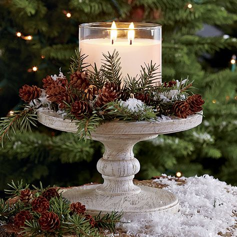 christmas centerpieces If the climate allows, consider an idea of rocking woodland winter wedding thats a dream! A forest covered with beautiful sparkling snow. Noel Christmas, Christmas Candles, Country Christmas, Winter Christmas, Christmas Crafts, Christmas Candle Holders, Christmas Wedding, Christmas Greenery, Outdoor Christmas