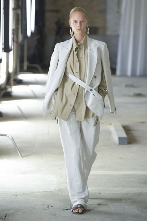 Mark Kenly Domino Tan Copenhagen Spring 2019 Fashion Show Collection: See the complete Mark Kenly Domino Tan Copenhagen Spring 2019 collection. Look 26