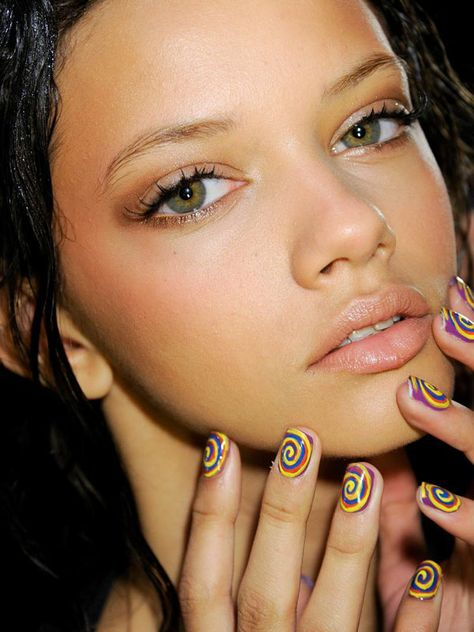 Hey, nail art fans! Check out these 10 runway looks from New York Fashion Week