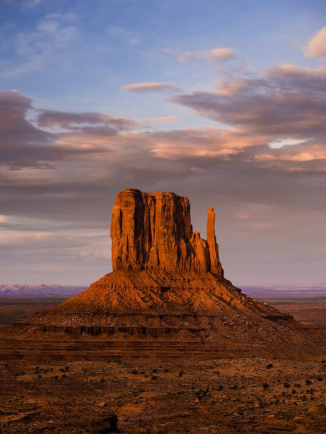 """venusandthenativemoon: """"mistymorningme: """"Monument Valley, Arizona, USA by """" I want to visit here so bad. And Indian Creek, Utah. And red rocks. Just take me to the desert please? Arches Nationalpark, Yellowstone Nationalpark, Parc National, Zion National Park, National Trust, Great Smoky Mountains, Arizona Travel, Arizona Usa, Utah Usa"""