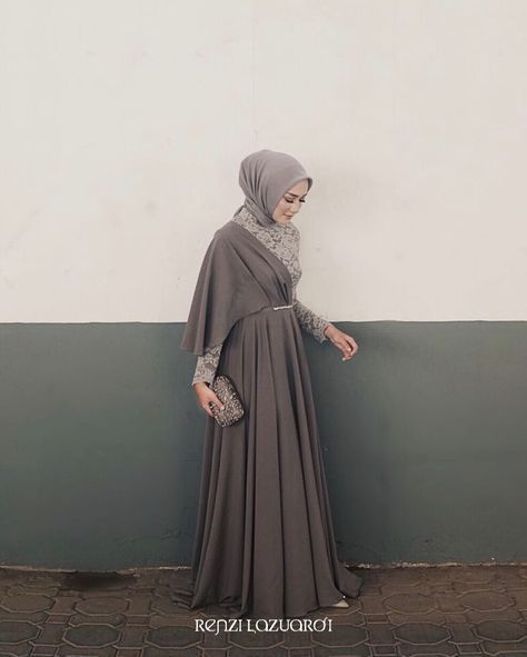 933 Suka 11 Komentar Inspirasi Gaun Kebaya Muslimah