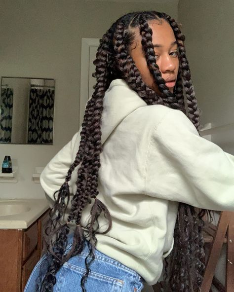 "Lee McQueen on Instagram: ""how u doin?"" Black Girl Braided Hairstyles, Pretty Hairstyles, Big Box Braids Hairstyles, Girls Natural Hairstyles, Dreadlock Hairstyles, Cabelo Inspo, Curly Hair Styles, Natural Hair Styles, Natural Hair Box Braids"