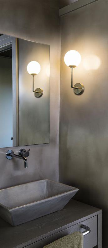 Applique Murale Gala Laiton Verre Opalin Ip44 L11 5cm H32cm En 2020 Parement Mural Miroir Salle De Bain Et Luminaire Salle De Bain