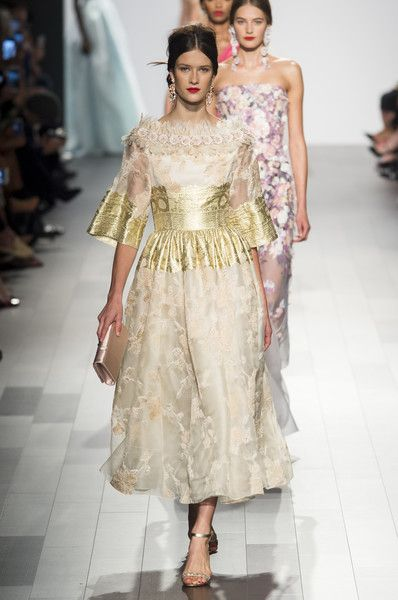 Badgley Mischka, Spring 2018 - The Most Beautiful Dresses on the Runway at NYFW - Photos