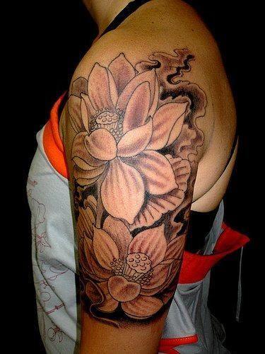 Tatuagem De Flor Lótus Sombreada Fotos Tatuagem Tatuagem