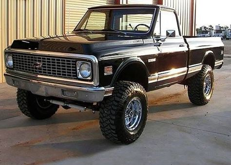 1971 Chevrolet Cheyenne - don't usually like 'jacked up' trucks, but this was done right