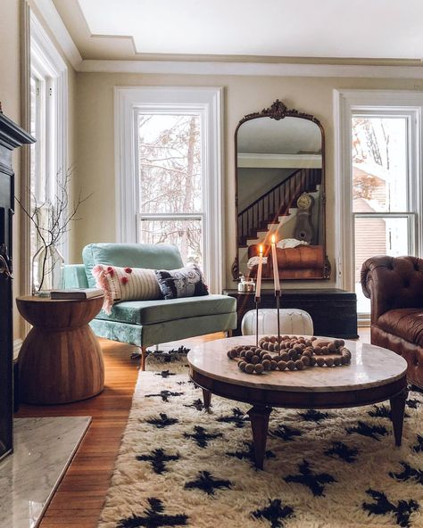 If you saw our stories right now you know that today is a major snow day here! School was even canceled! ⛄️ I love these days where we are… Classic Interior, Home Interior, Interior Colors, Interior Livingroom, Interior Plants, Interior Modern, Ideas Decoracion Salon, Living Room Decor, Bedroom Decor