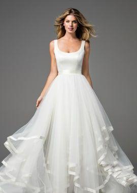 9205369dd555d Fabulous spring wedding ideas #springweddingideas | Elegant Wedding Ideas  and Inspiration in 2019 | Wedding dresses, Elegant wedding, Wedding