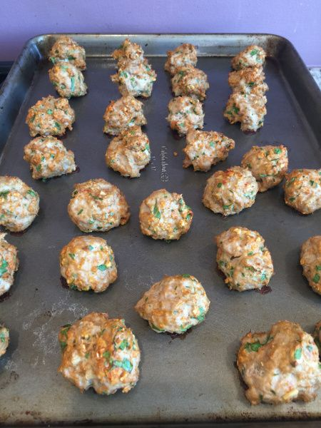 Turkey meatballs with oatmeal... Made these but added more spices! will cook this on a Sunday meal prep day.