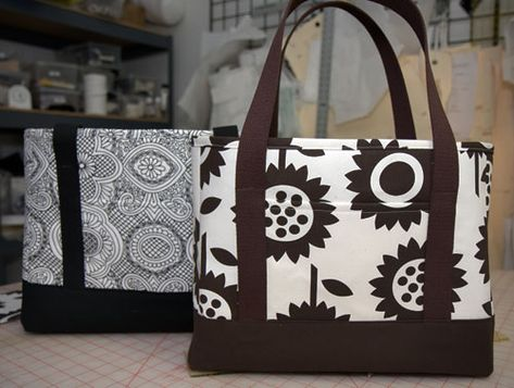 I love this tote bag! I've made 2 already, one for me and one as a gift. Super easy to follow instructions.