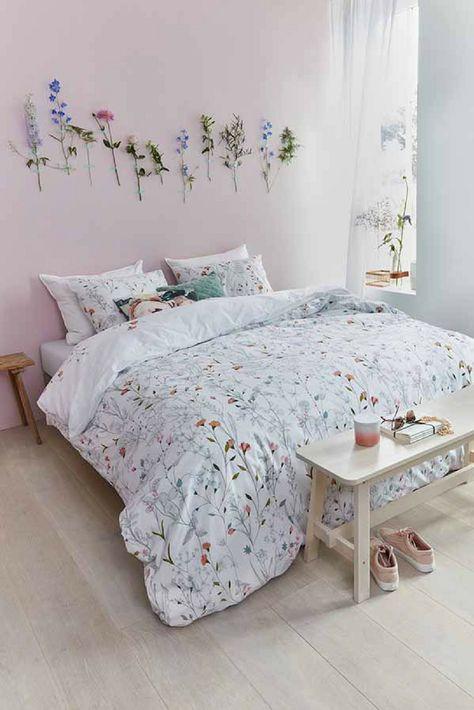 Ein Rosa Schlafzimmer Ist Der Traum Jedes Mädchens. Mit Wenigen  Wohnaccessoires Kannst Du Dein Schlafzimmer