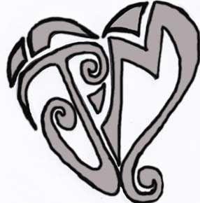 Buchstabe mit tattoo herz m Schnörkelschrift: Diese