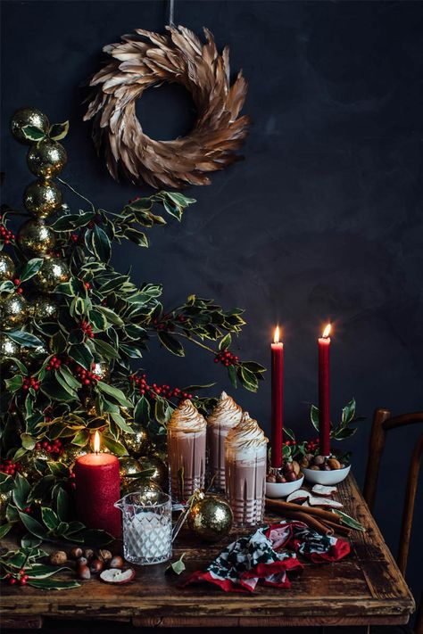⟪ New Year is coming: wonderful ideas for holiday table by Zara Home⟫ ◾ Фото ◾Идеи ◾Дизайн Bohemian Christmas, Blue Christmas Decor, Gold Christmas Decorations, Christmas Mood, Merry Little Christmas, Noel Christmas, All Things Christmas, Holiday Decor, Christmas Smells