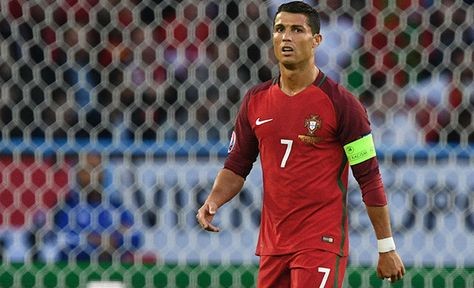 Worlds Strongest Man winner Magnús Ver Magnússon calls Cristiano Ronaldo a p in foul-mouthed rant