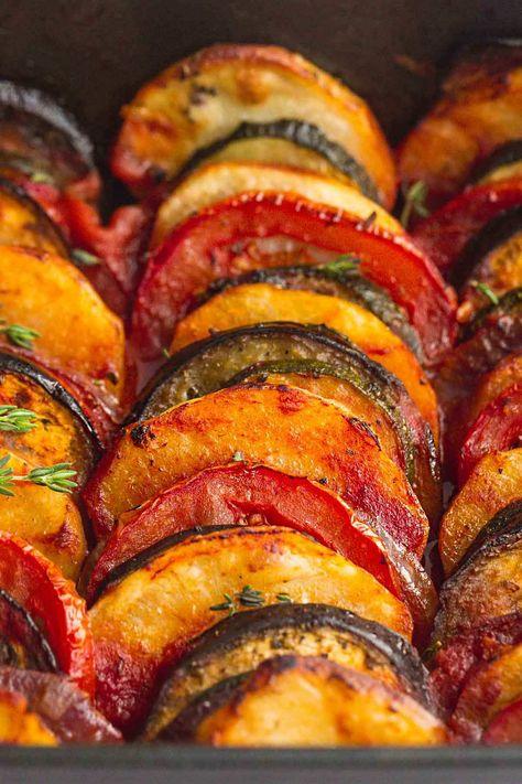 Vegetarian Greek Recipes, Veggie Recipes, Appetizer Recipes, Cooking Recipes, Greek Vegetables, Baked Vegetables, Roasted Mediterranean Vegetables, Veggies, Greek Dishes