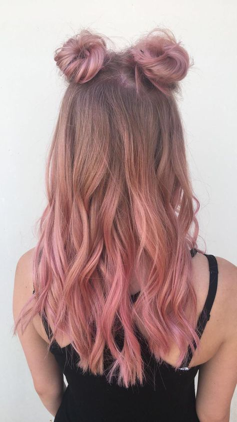 This sub needs more space buns Pink Blonde Hair, Pastel Pink Hair, Pink Hair Streaks, Pink Hair Highlights, Hot Pink Hair, Ombre Hair, Space Buns Hair, Cabelo Rose Gold, Light Pink Hair