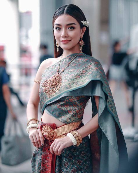 Traditional Thai Clothing, Traditional Fashion, Traditional Dresses, Thai Fashion, Cute Fashion, Laos Wedding, Thai Wedding Dress, Thai Dress, Thai Style