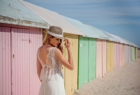 Mariée à la plage ! ⛱  #bride #bridetobe #bridal #wedding #mariage #matrimonio #love #amor #mode #fashion #style #bridestyle #chapeau #beach