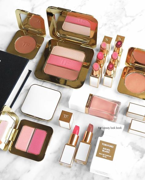 A first look at the @tomford Soleil Collection  for summer with swatches on the blog! Detailed reviews to follow soon but I'll say right now the entire collection is incredible ✨