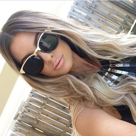 What a BABE! our client @katrinavincent always looks smoking.. Wearing @getgorgeous accessories FEAT @trendz_hair Tape extensions & #BALAYAGE Colour Balayage price ranges from $250-$350 depending on your length & thickness. Tape hair extensions for $450 & maintenance every 6-8 weeks for $150 #trendzstudio ph: 3286 6070 for booking enquiries