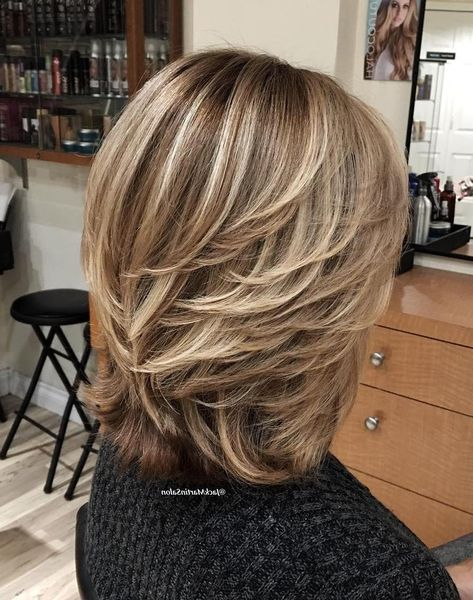 Image Result For Feathered Hairstyles Hair Styles Short Hair With Layers Medium Hair Styles
