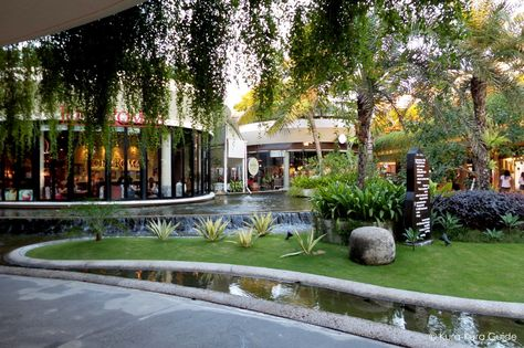 Bal Harbour, interior tropical fish pond, luxury retail (Bal Harbour - invitation maker in alabang town center
