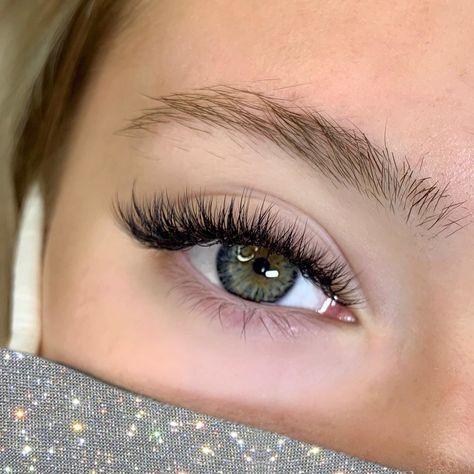 Natural Fake Eyelashes, Perfect Eyelashes, Beautiful Eyelashes, Thicker Eyelashes, Fake Lashes, Longer Eyelashes, Eyelash Extensions Classic, Volume Lash Extensions, Russian Eyelash Extensions