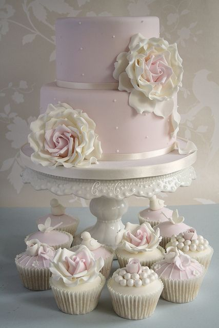 Engagement cake with roses by Cotton and Crumbs, via Flickr