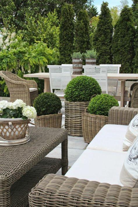 Les meubles en rotin sont le thème du jour! | Jardins ...