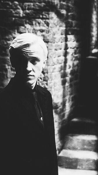 Draco Malfoy Wallpapers Tumblr Draco Malfoy Imagines Tom Felton Draco Malfoy Harry Potter
