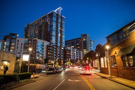 都市化で活気づくナッシュビル中心街
