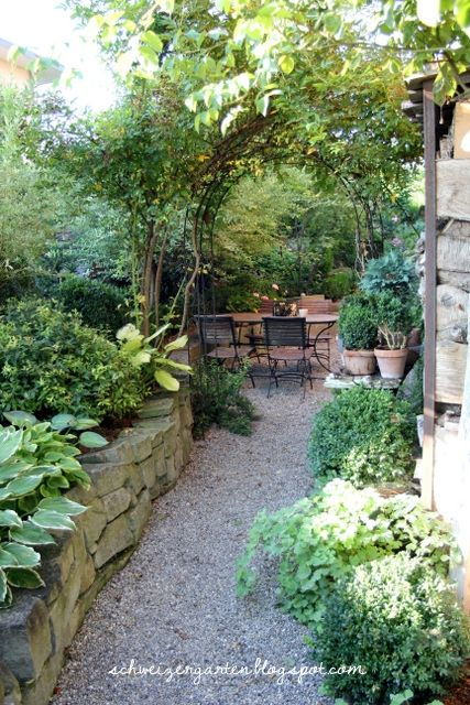 Ein Schweizer Garten Der Juli ist im Anmarsch Garten - garten am hang gestalten