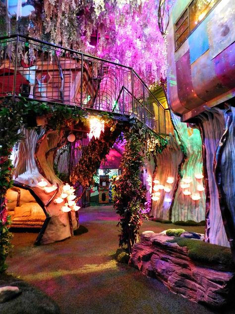 Digital Nomad Life Month Twenty Four If you are visiting Santa Fe make sure you don't miss the magical art installation and mystery that is Meow Wolf. This place is like no other. Visit Santa, Aesthetic Room Decor, Installation Art, Interactive Installation, Dream Rooms, Cool Rooms, My Dream Home, Modern Architecture, Beautiful Places