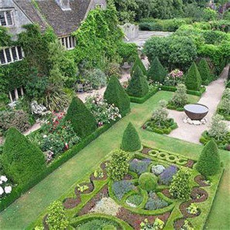 100 Minimalist Garden Design Ideas In 2020 Formal Garden Design Beautiful Gardens Most Beautiful Gardens