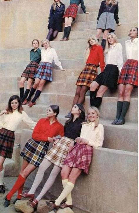 19 Ideas Fashion Vintage Outfits For 2019 70s Inspired Fashion, 60s And 70s Fashion, Look Fashion, Trendy Fashion, Fashion Vintage, 1960s Fashion Women, Decades Fashion, Seventies Fashion, Modern 60s Fashion