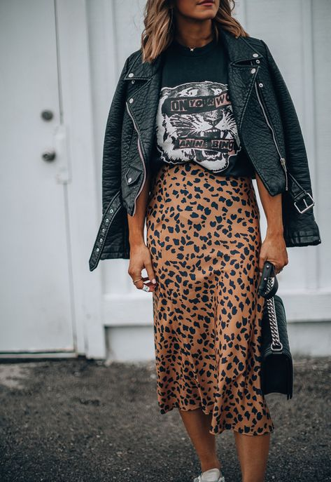 How to Wear Graphic Tees + 12 Favorites | Cella Jane