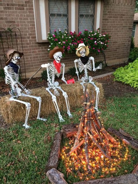 Our beautiful outdoor Halloween pumpkin decorations include carved, and manymore. This DIY Halloween yard deco Halloween Yard Decorations, Diy Party Decorations, Halloween Party Decor, Halloween Crafts, Halloween Costumes, Skeleton Decorations, Fall Decorations For Outside, Diy Outdoor Decorations, Halloween Yard Displays
