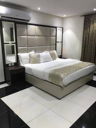 ريوف للوحدات السكنية المفروشة فنادق السعودية شقق فندقية السعودية Furniture Home Home Decor