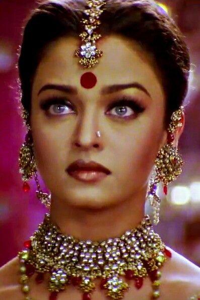 Aishwarya Rai Devdas Beautiful Bollywood Actress Aishwarya Rai Without Makeup Actress Aishwarya Rai