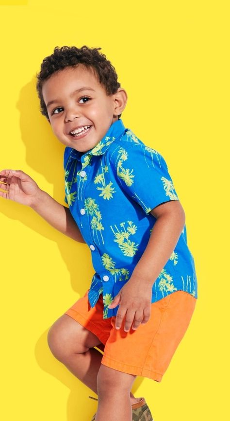 Island style | Kids' fashion | Toddler boys' clothes | Tropical print shirt | Solid chino shorts | The Children's Place