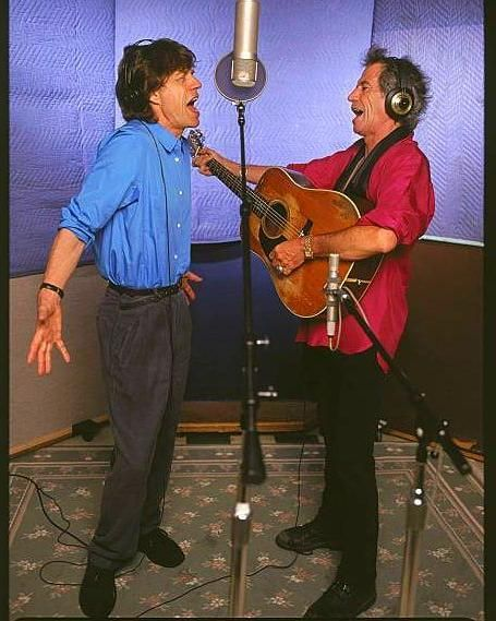 """The Rolling Stones •Best pics of Stones• on Instagram: """"Keith Richards and Mick Jagger in a Recording Studio. Los Angeles, January 1, 2000. ©Kevin Mazur • • • • …"""" #KeithRichards #keithrichards"""
