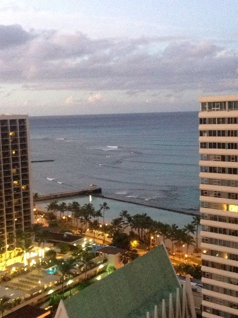more early morning views of honolulu from the pacific beach hotel in rh pinterest co uk