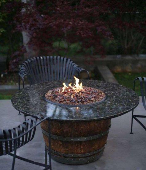 Tavolo Da Giardino Con Barbecue.Arredare Un Giardino Con Materiale Di Recupero Nel 2020 Tavolo