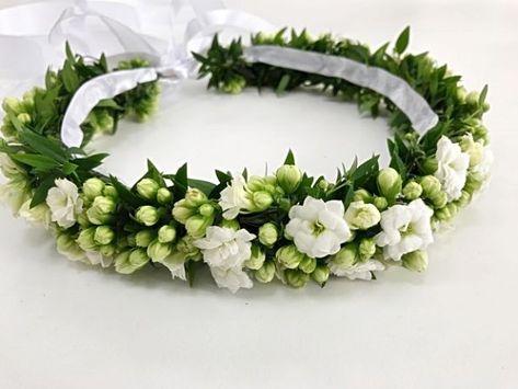 150 Zl Wianek Komunijny Z Bialych Kalanchoe Wianek Bedzie Piekna Ozdoba Dla Dziecka Podczas Pi Flower Comb Beautiful Wedding Flowers Flower Girl Headbands