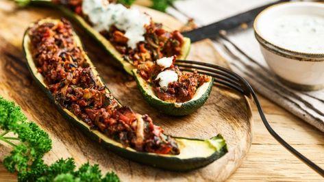 Gefullte Zucchini Mit Rauchertofu Und Dip Vegan Rezept Gefullte Zucchini Vegan Gefullte Zucchini Und Zucchini Rezepte