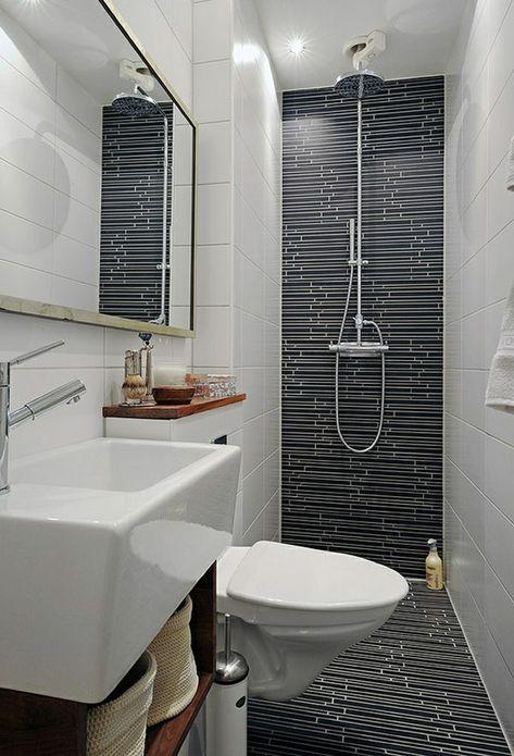 Badausstattung Grosses Spiegel Mit Einer Dusche Und