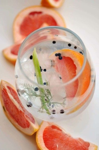 Fennel, Black Pepper, & Grapefruit G&T - Pretty Cocktails To Make This Mother's Day - Photos