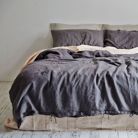 Duvet Vs Comforter Which Is Better Duvet Bedding Linen Duvet